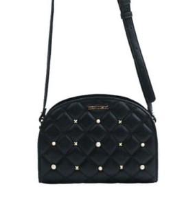 14c800e2117e7 Monnari Torebka damska listonoszka pikowana chanelka BAG A830 czarna z  perełkami